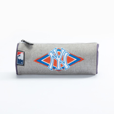 Ney York Yankees Embroidered Round Pencil Case with Zip Closure