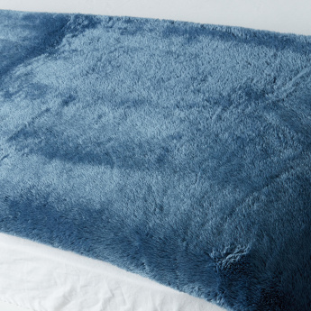 Berkshire Plush Queen Blanket - 229x229 cms