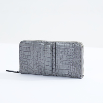 Sasha Textured Wallet with Zip Closure
