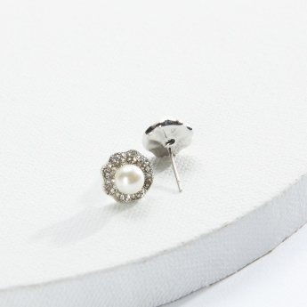 Sasha Pearl Detail Earrings with Push Back Closure