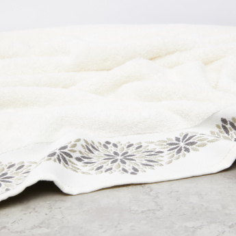Plush Jacquard Bath Towel - 70x140 cms