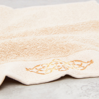 Textured and Jacquard Embroidered Face Towel - Set of 3