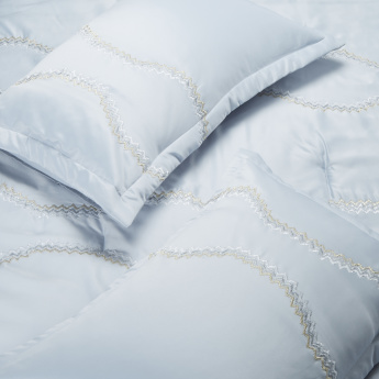 Satin Embroidered 3-Piece King Comforter Set - 233x277 cms