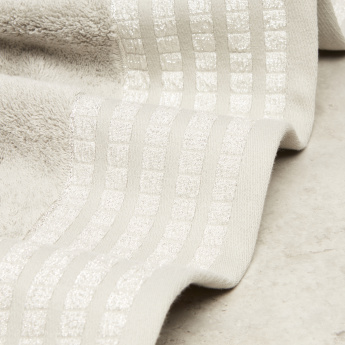 Starz Textured Bath Towel - 70x140 cms