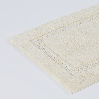 Rectangular Bath Mat with Lace Detail - 50x80 cms