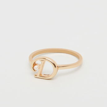 English Alphabet D Ring with Pearl
